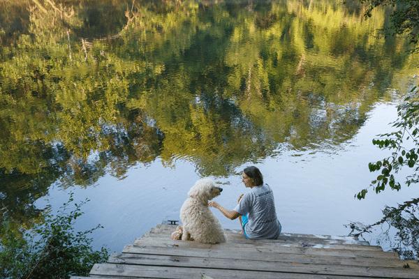 SRC-dog-park-lady-river