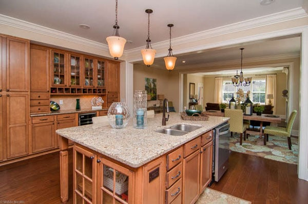 SRC-669-Tailwater-Bend-Lexington-small-010-Kitchen-666x443-72dpi